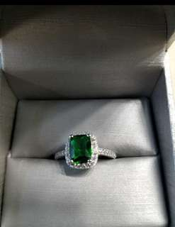 New Green Emerald Ring