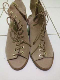 STRADIVARIUS WOMEN size 36 only