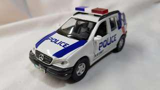 1:41 diecast Mercedes-Benz ML 320 in new K9 Unit livery