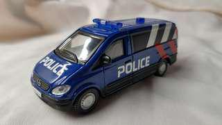 1:50 diecast Mercedes-Benz Vito in new SPF Livery