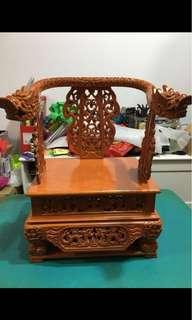 神佛 龙椅