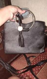 sling bag black color
