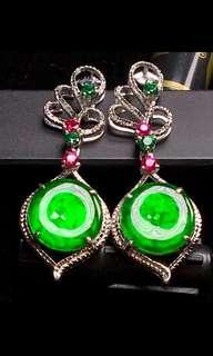 A玉翡翠耳環