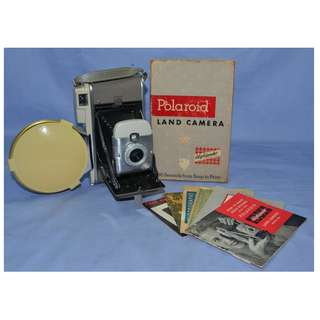 ANITUQUE VINTAGE POLAROID LAND 80A FOLDING CAMERA