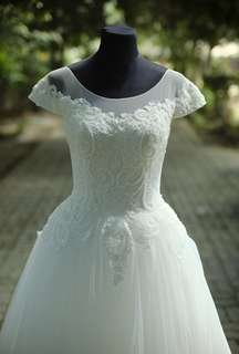 Ivory and Lace Wedding Gown