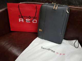 Samsonite RED HESRONE 時尚筆電後背包 15.6吋進階專業版(男神李鍾碩代言)