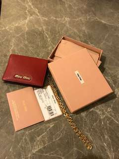 100% authentic 100%new Miu miu red 紅牛皮金鍊cars holder