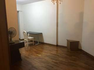 Short term: Master bedroom in Condo