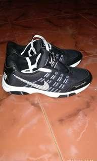 Sepatu sport murah