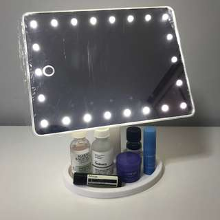 🚚 22 LED MIRROR WITH ADJUSTABLE BRIGHTNESS (BLACK/WHITE)