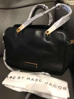 🈹New Marc By Marc Jacobs leather 2 way bag 全新真皮兩用袋可手挽斜孭