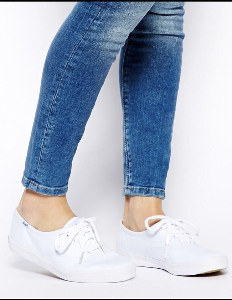 e83090a2204d6 BNIB KEDS Champion Core Sneakers in White US 6 AND US 8