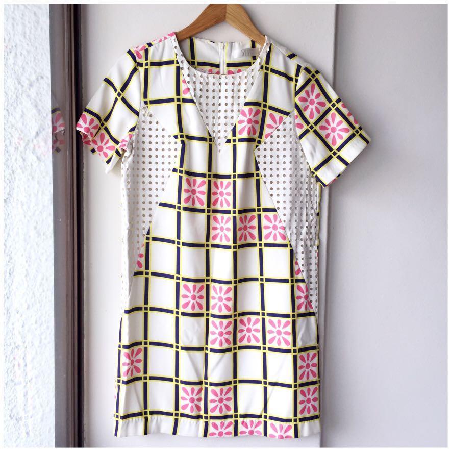 90afdeac55852b Bysi dress