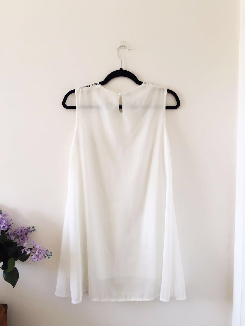 Lace Detail 💖 Flowy Dress
