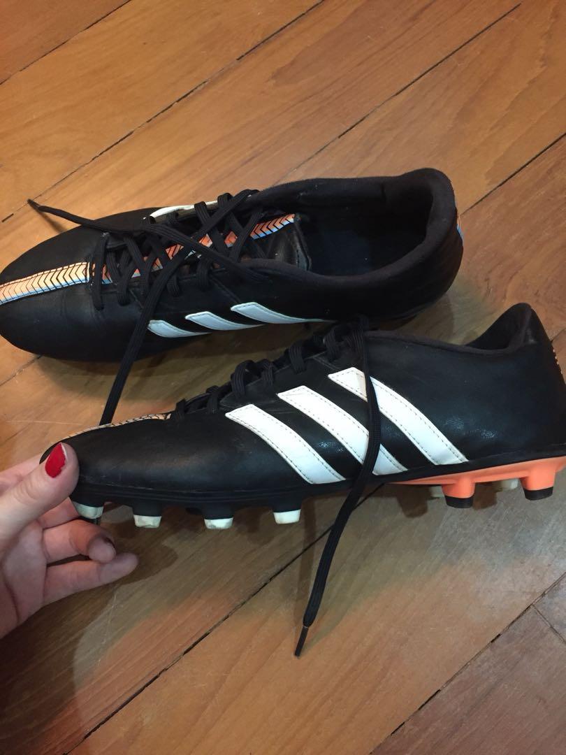 e6cd7368626 Sports boots