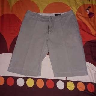 Celana pendek pria 34 khaki