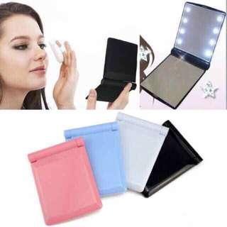 LED portable mirror