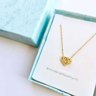 Flower Heart Necklace (Gold Tone)
