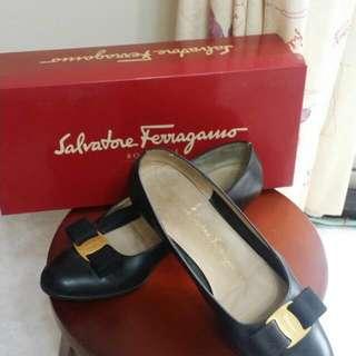(降價)Ferregamo  媽媽的鞋 7分新