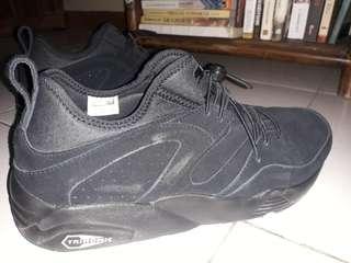 Di jual sepatu PUMA Trinomic