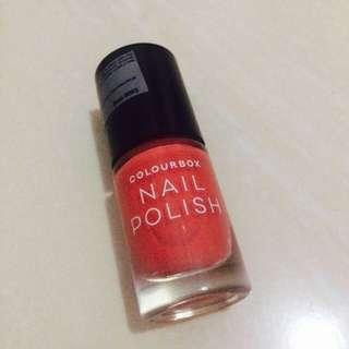 Kutek ( nail polish ) oriflame