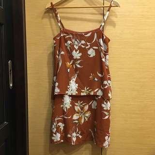 🚚 MANGO 花卉細肩帶洋裝