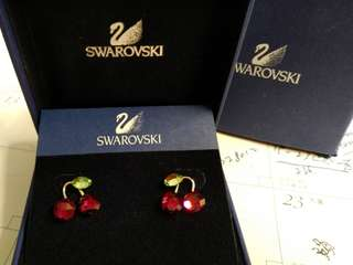 Swarovski Earrings 車厘子耳環 100%真品& 98%NEW