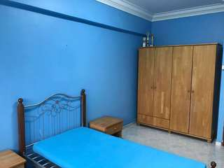 SENG KANG Blk 231 common room for rental Indian owner singles preferred