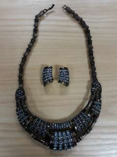 Necklace 1 set