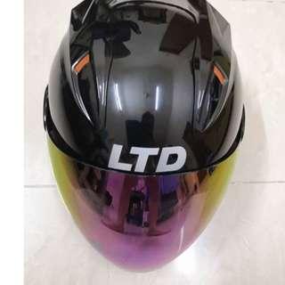 LTD Helmet (Free 1 Chrome Visor)