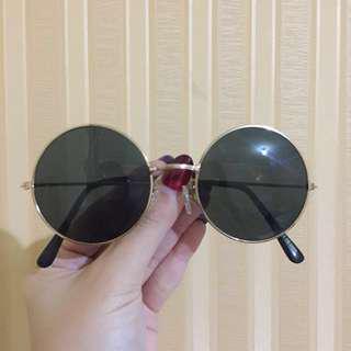 Sunglasses circle