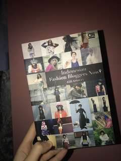 Fashion blogger book
