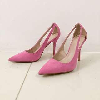 Parisian pink shoes