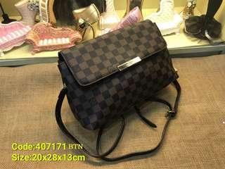 LV Sling Bag AAA
