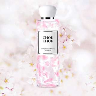 Korea CHOK CHOK Cherry Blossom & Honey Shower Gel