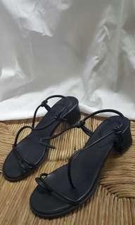 🚚 一字低跟綁帶涼鞋