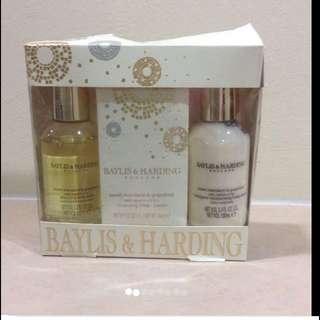 $29 Baylis & Harding Travel Shower Set (Brand New In Box)