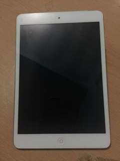 REPRICED!! iPad Mini 1 16gb Wifi-Cellular (Smart lock) Last price