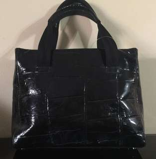 Aigner bags authentic