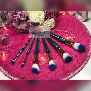 🚚 Mermaid Blue Brush Set