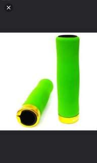 Brand new Cooloh bicycle/BIKE /mtb handlebar Grips with lock on For Sale