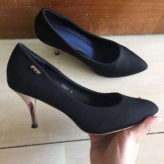 Spiffy Black Heels