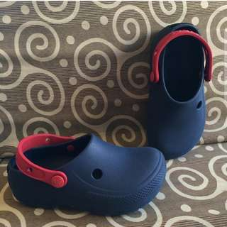 Auth crocs 19.5cm (good as new)