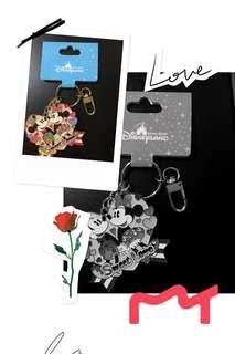 Disneyland Micky and Minnie mirror keychain
