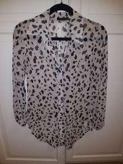 Leopard Sheer Hi-Lo hem blouse