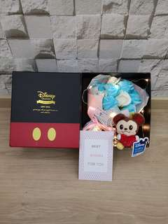 Rose bouquet with Mickey in Disney box