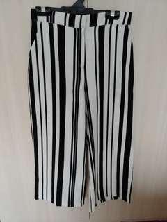 Striped pants - wide legged