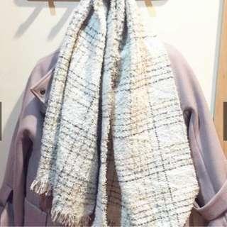 🚚 韓國帶回米白色格紋毛呢短圍巾