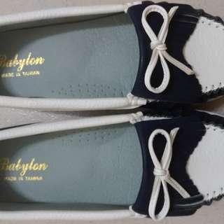 🚚 (#24號) BABYLON 仿皮流蘇蝴蝶結厚底休閒鞋 藍 女鞋 鞋全家福