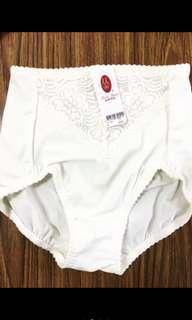 🚚 『曼黛瑪璉』內褲M號